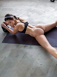 Bodybuilder Porn Photos